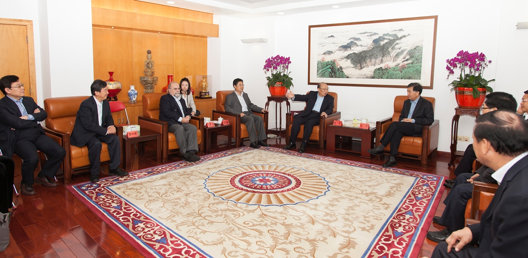 Guangdong Party Secretary Wang Yang warmly receives UM Rector Wei Zhao and his colleagues