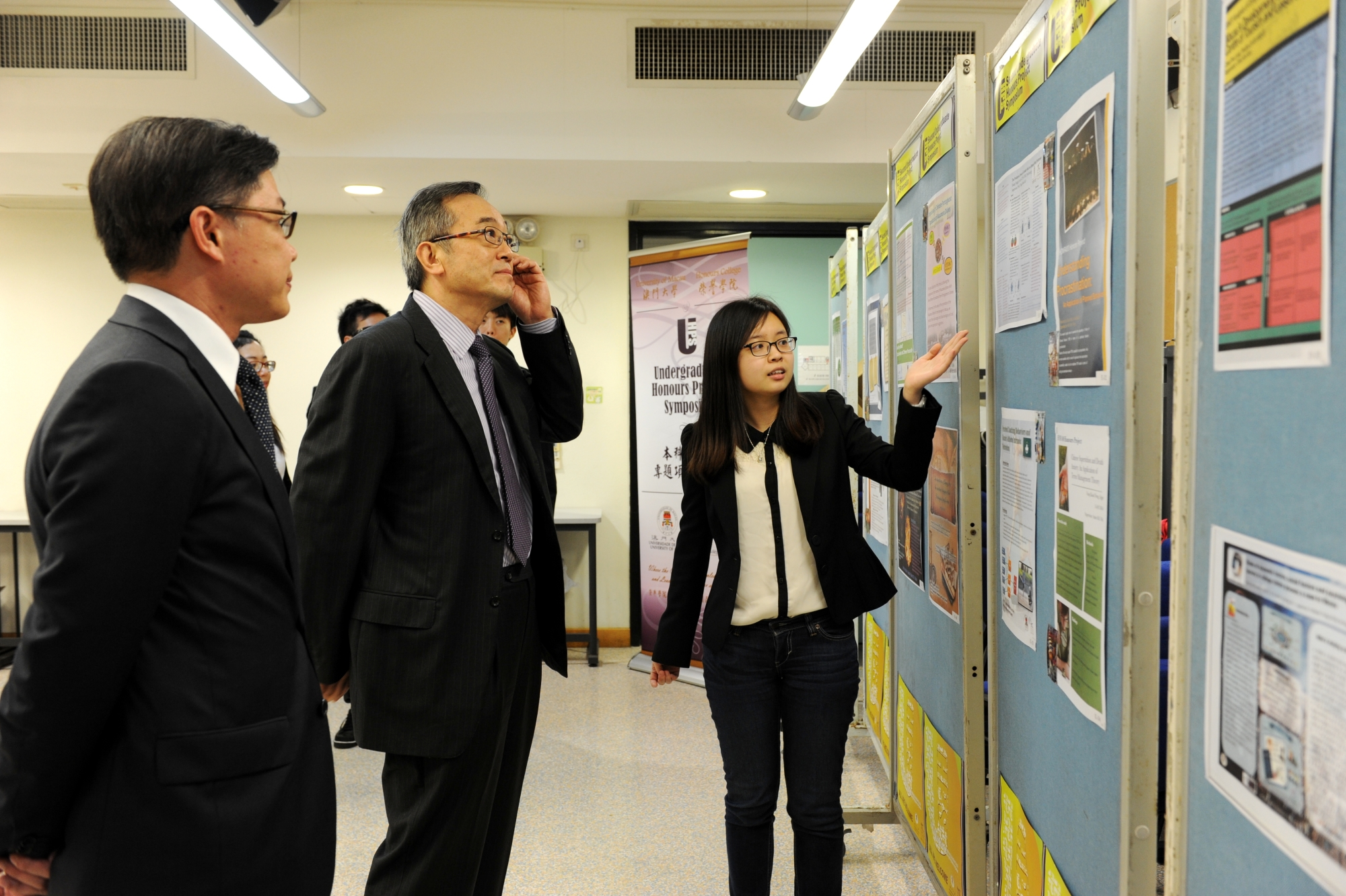 Graduating HC students present research projects