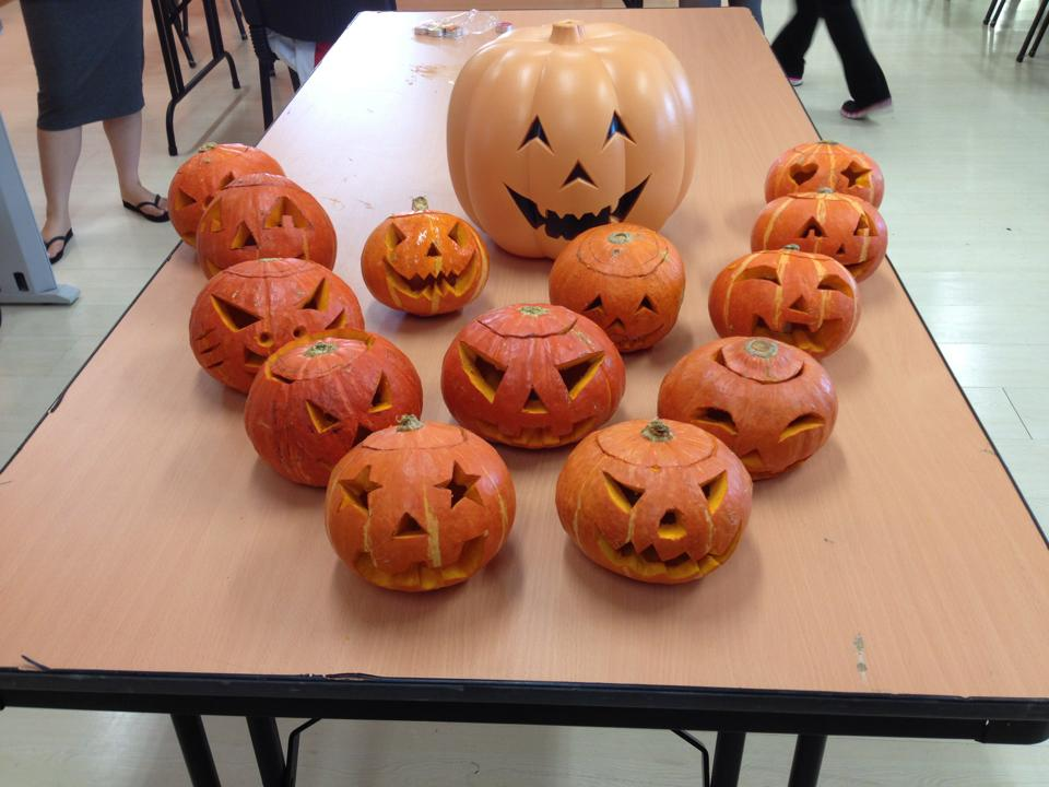 Jack-o'-lanterns made by the students