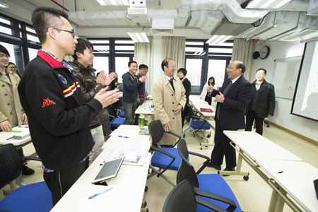 Rector Wei Zhao visits the first group of students having classes on the new campus