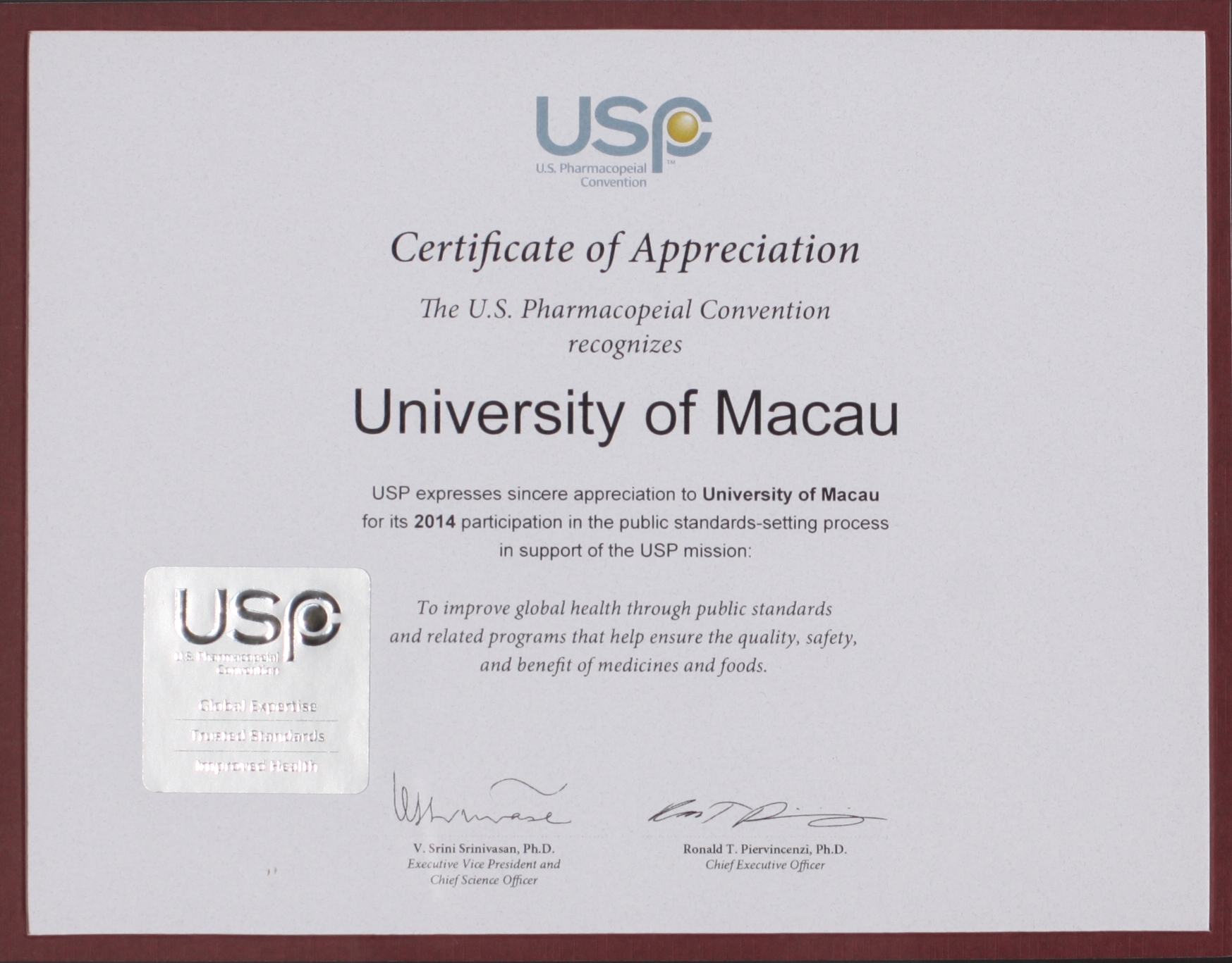 UM receives a certificate of appreciation from the US Pharmacopeial Convention