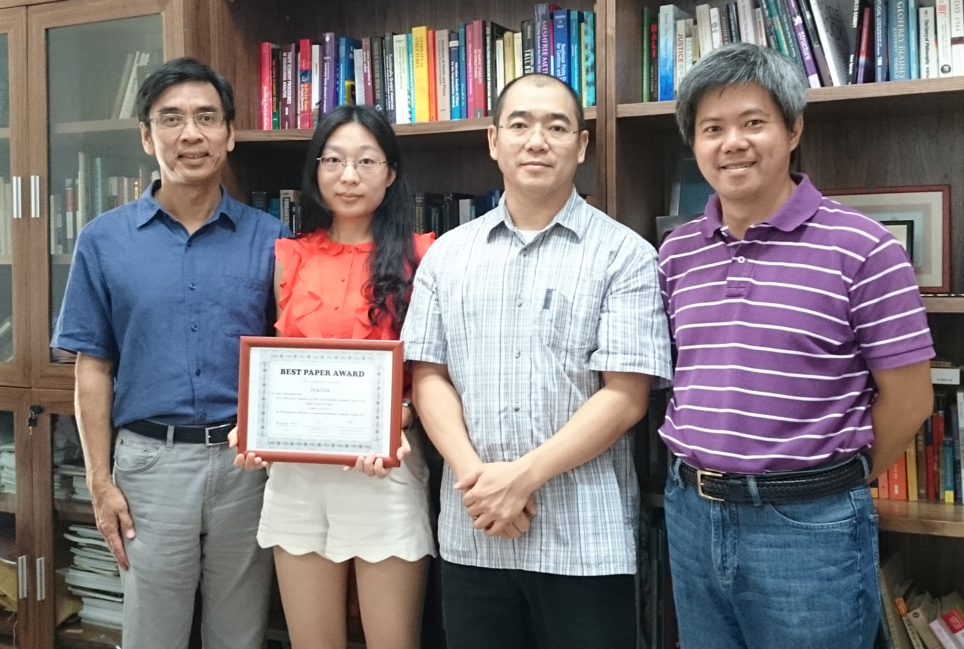 The award-winning PhD student Yang Yang (2nd from left) and her supervisors