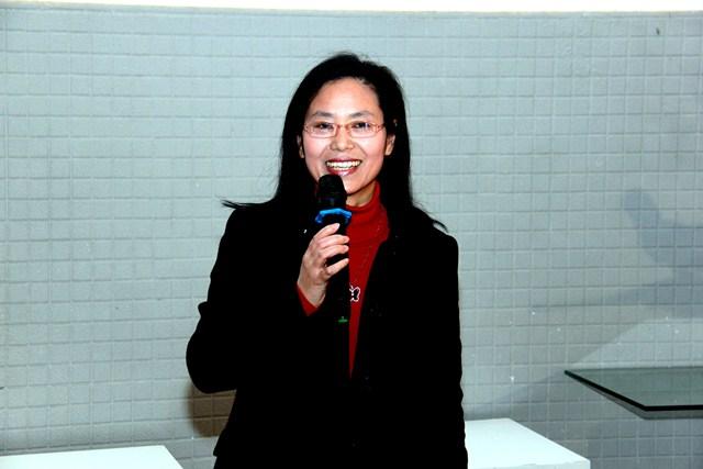 澳大博士生劉群偉於台上朗誦