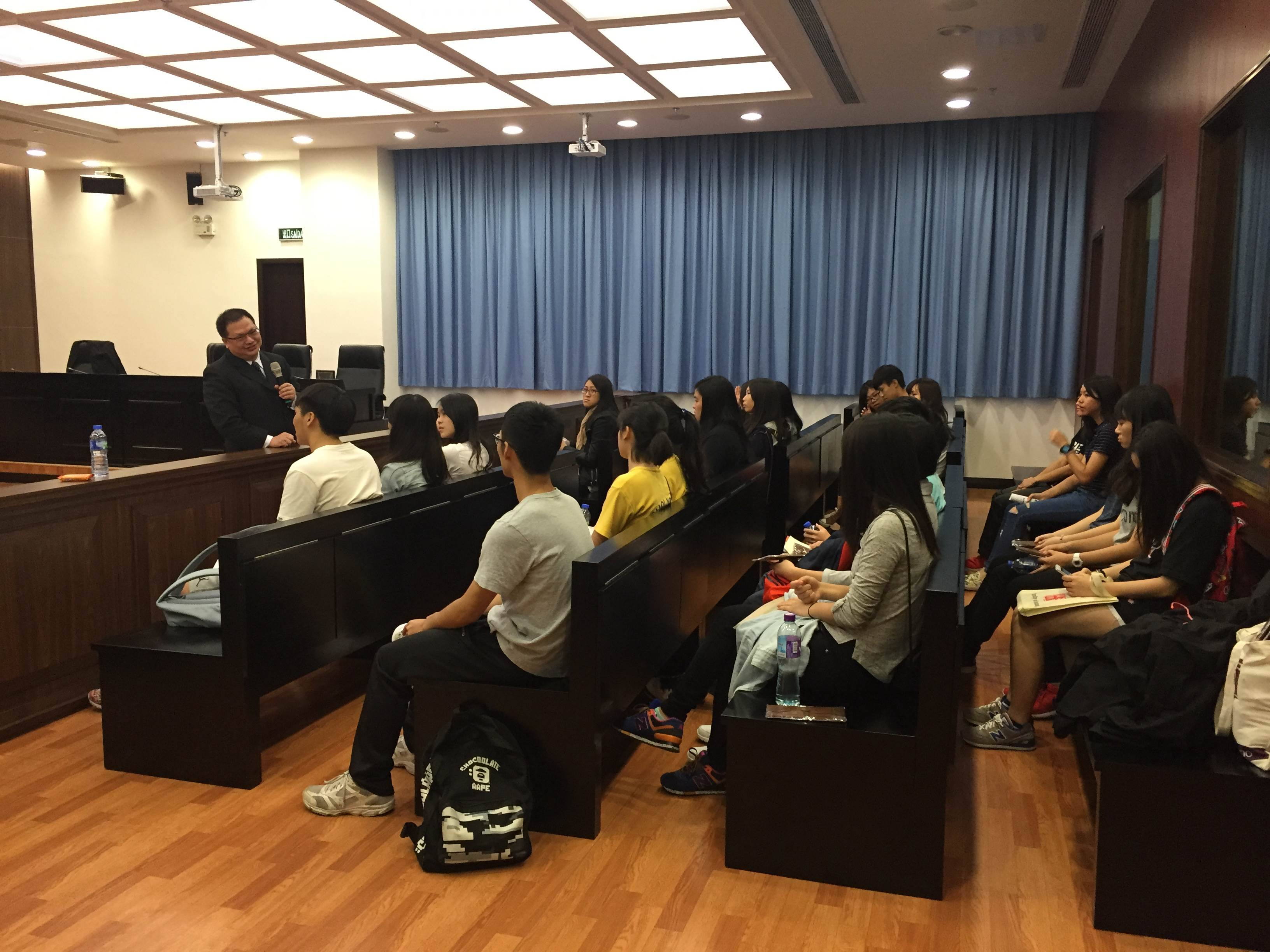 Students visit the Moot Court