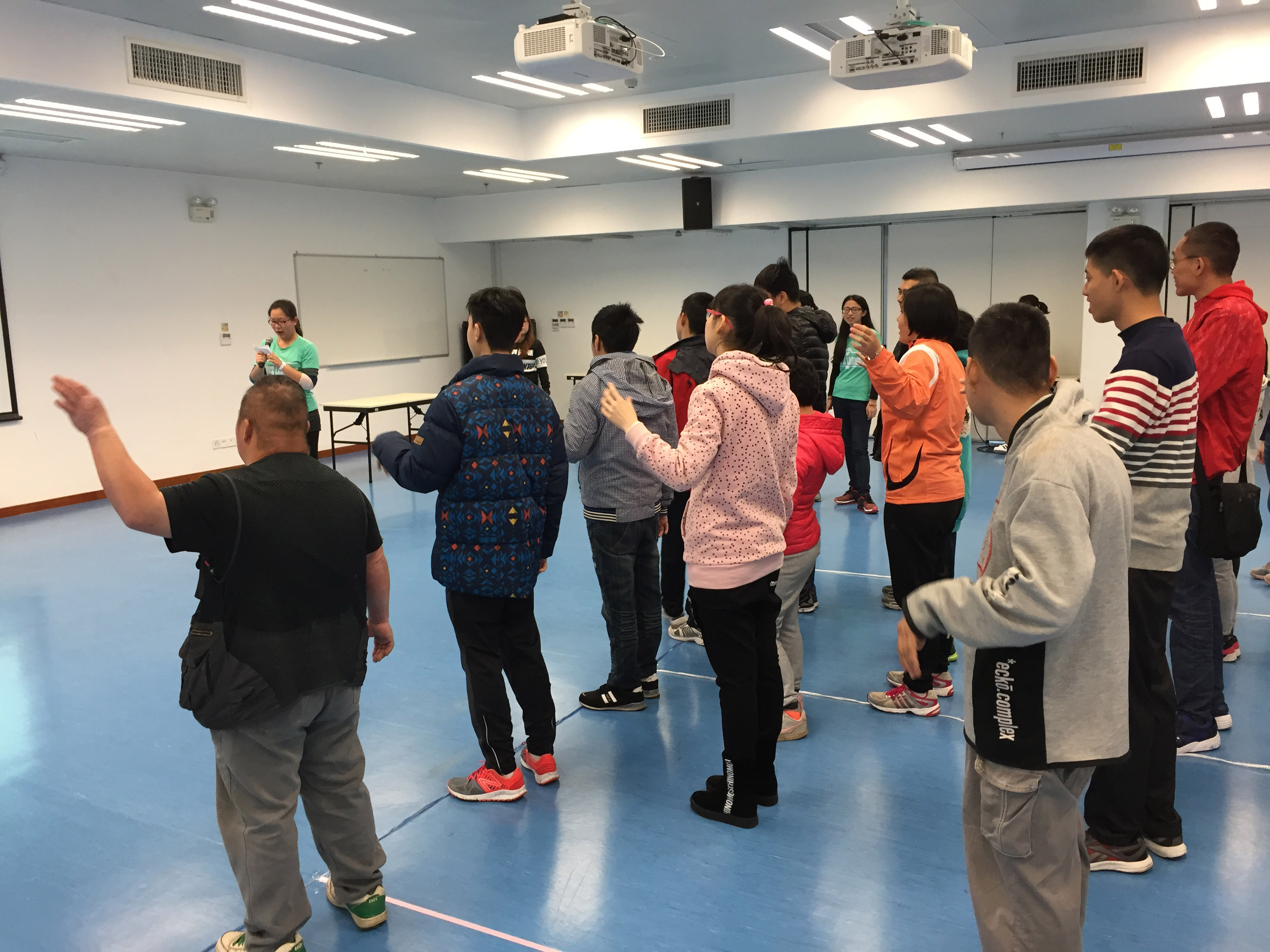 UM students organise a sports activity for members of Macau Special Olympics