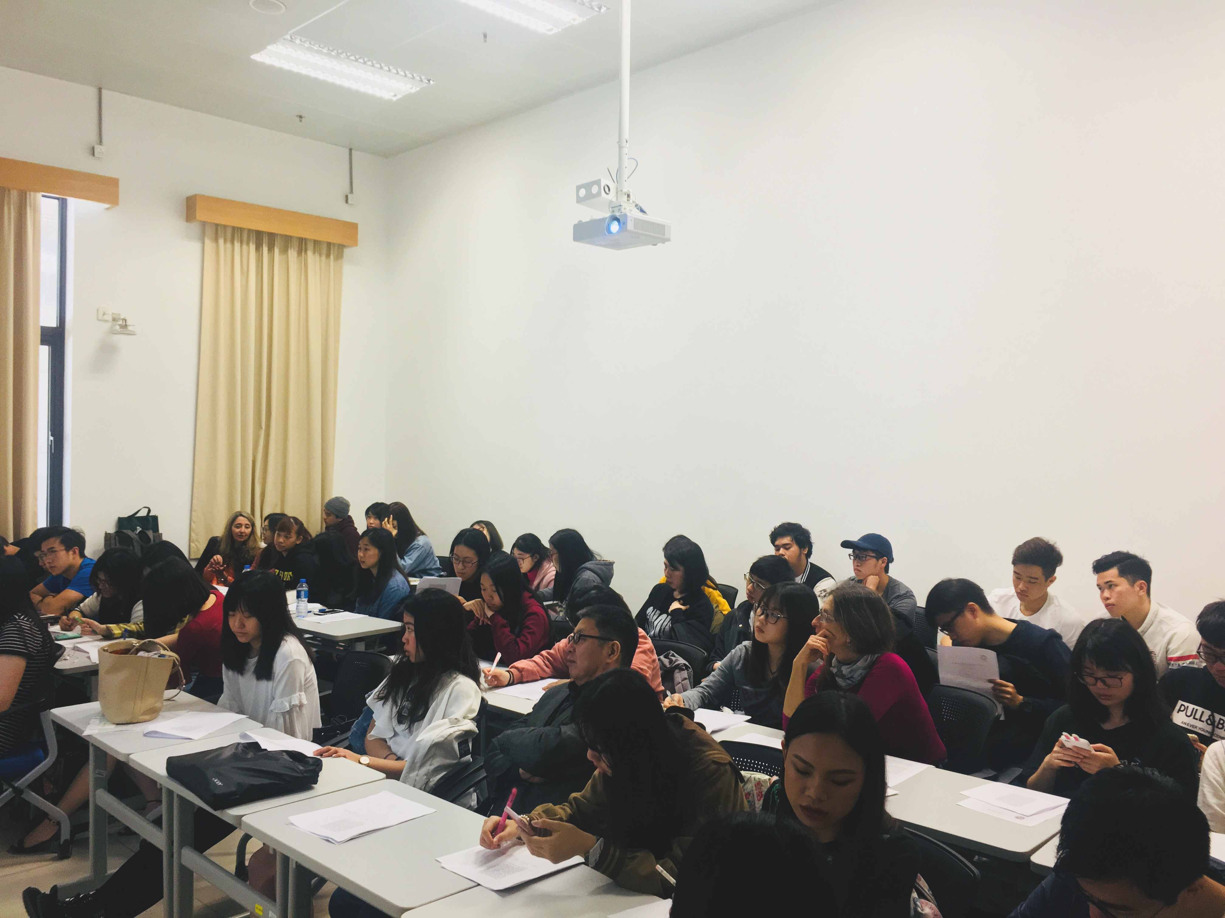 A UM training course in business Portuguese will open this Thursday