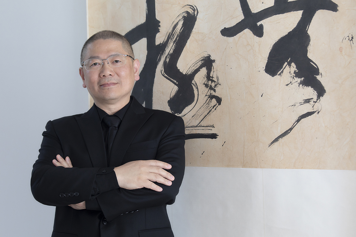 Prof Lampo Leong's calligraphy has won first prizes at the Exposicao Coltctiva dos Artistas de Macau and collected by Macau Museum of Art.