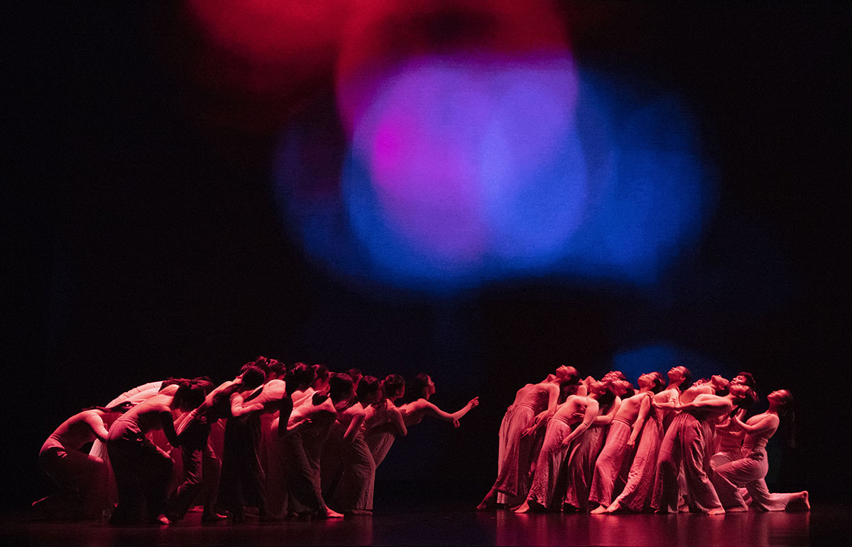 Lampo Leong's Near Light, collaborated with Research Fellow Yves Etienne Sonolet and Prof Michael Zihao Li of FED and performed by UM Dance Troupe