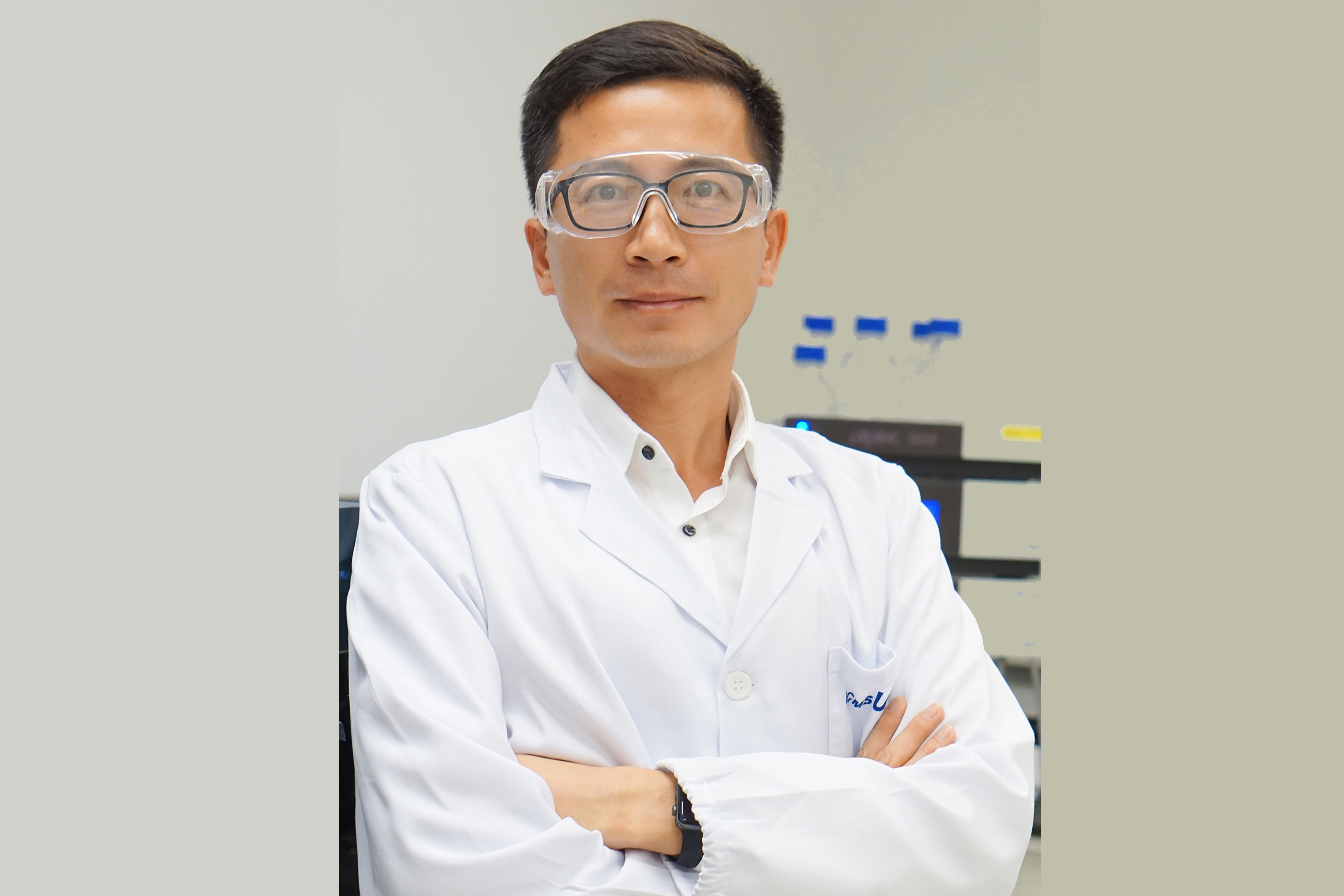 UM Teaching Excellence Award recipient Wang Ruibing will give a talk titled 'Connecting Classrooms to the Reality' next Monday