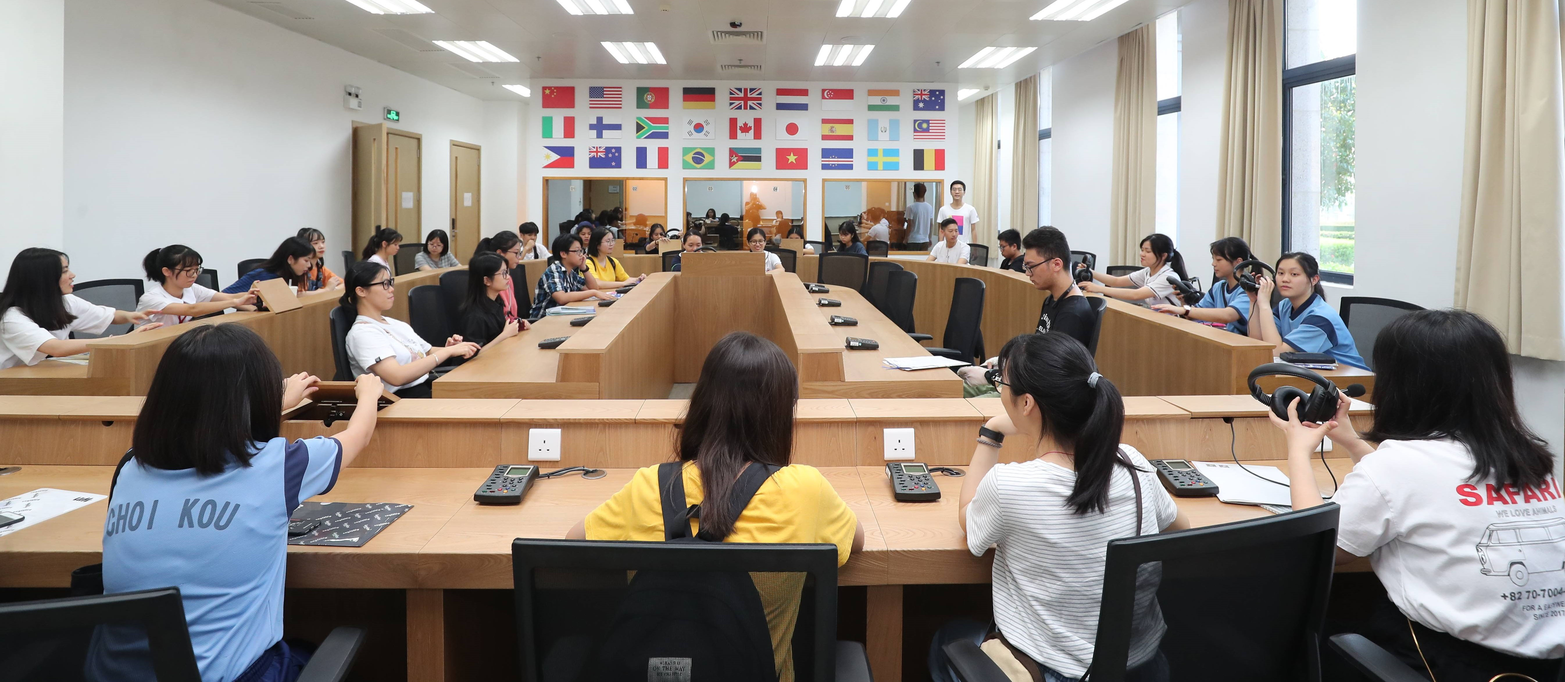 Student try out facilities in UM