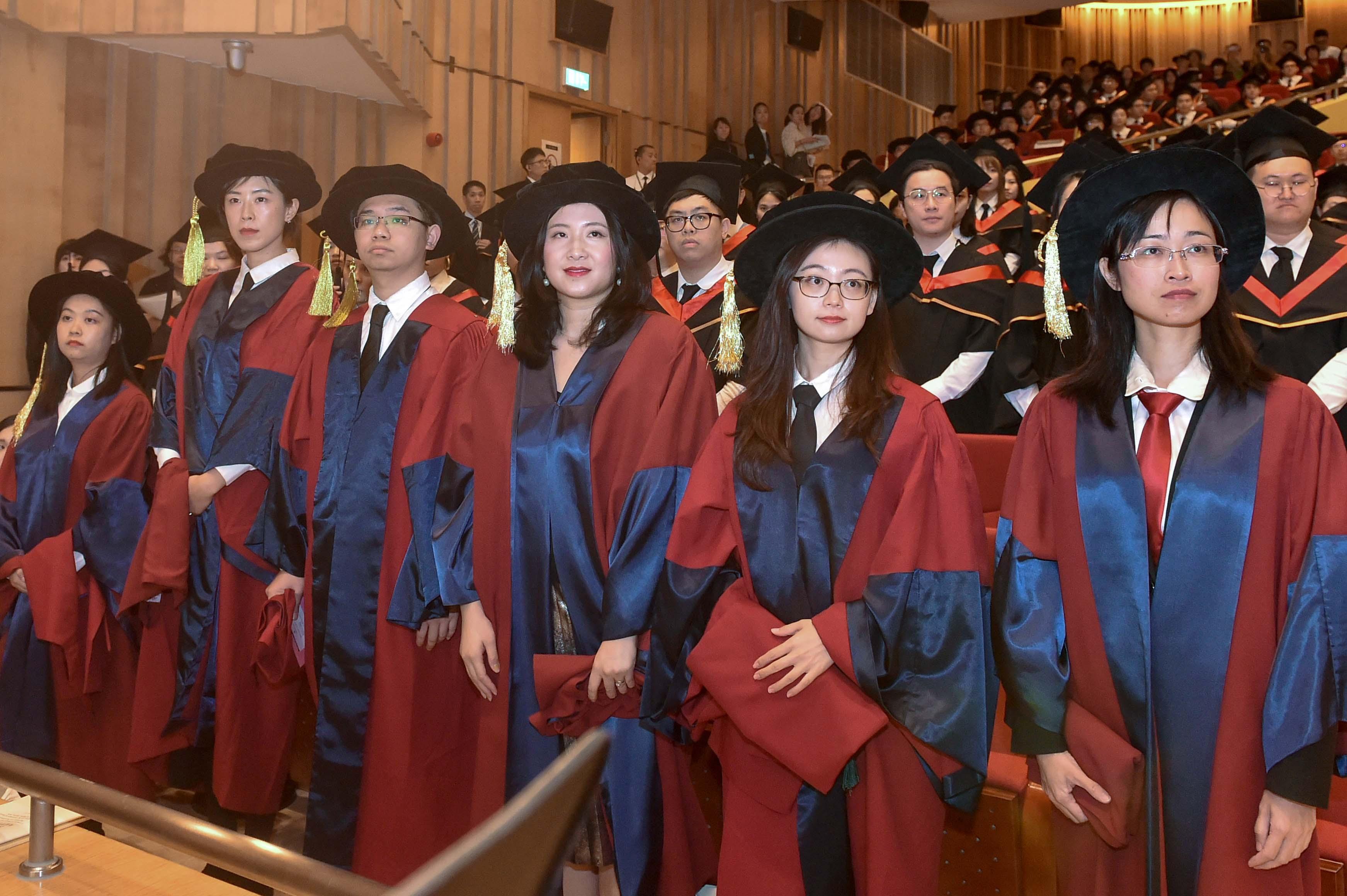 UM awards graduation certificates to postgraduate students