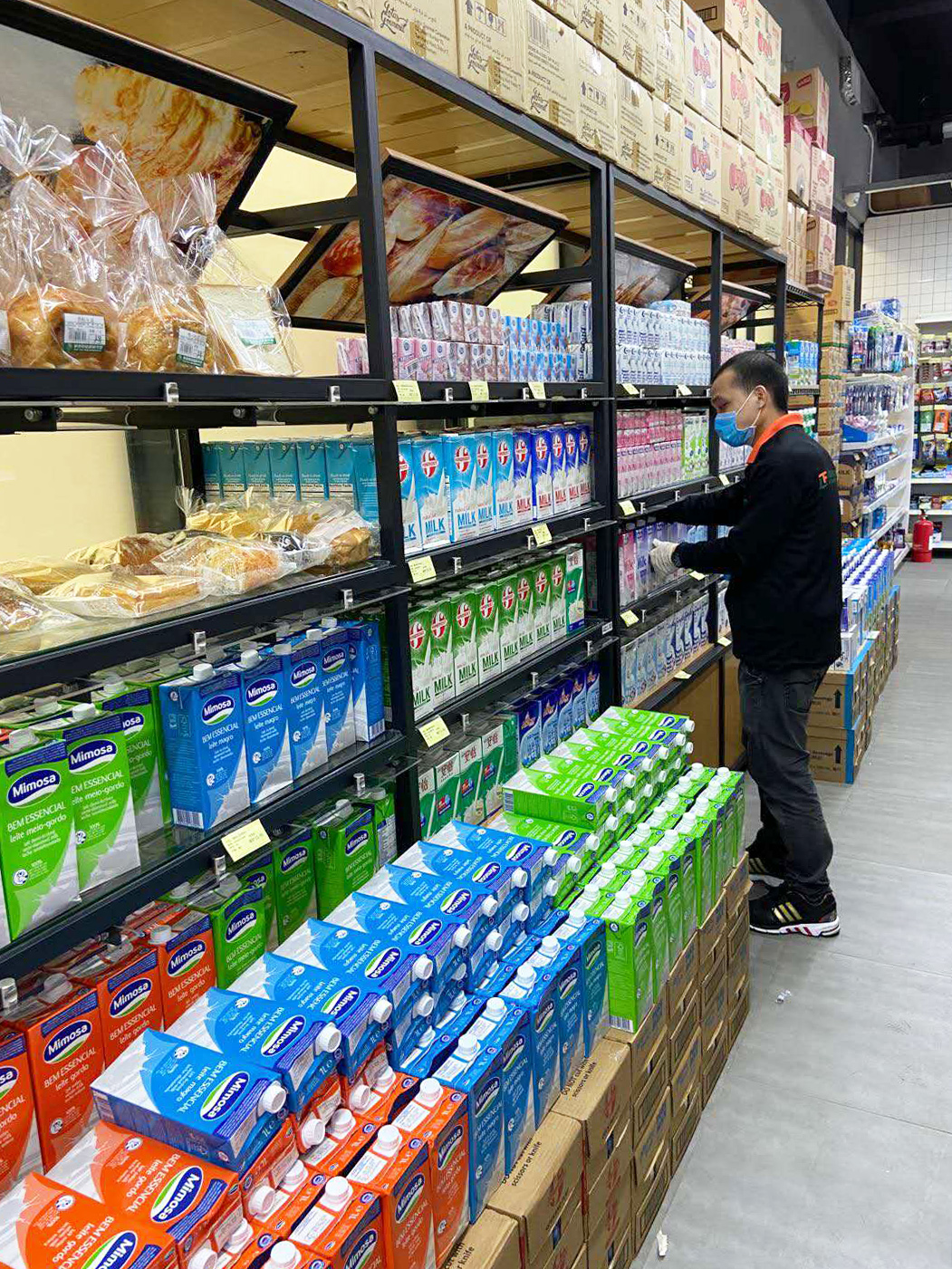 The campus supermarket ensures steady supply of daily necessities